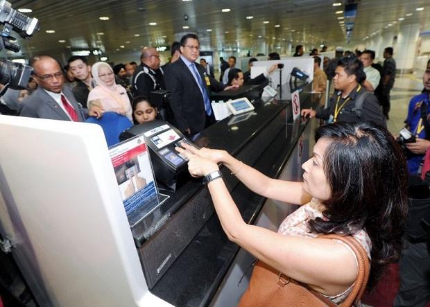 Đi du lịch Malaysia có cần visa không
