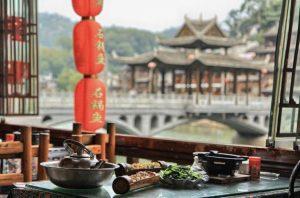 Đặc sản ở Phượng Hoàng Cổ Trấn – nét đặc sắc của trường phái ẩm thực Hồ Nam