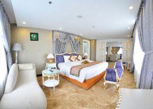 Combo Đà Lạt: Khách sạn Dragon King 4 sao 3N2Đ + Vé máy bay/ Xe Limousine