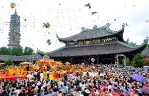 Tour du lịch Hà Nội – Chùa Tam Chúc – Chùa Bái Đính 1 ngày   Lễ chùa đầu năm