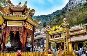 Tour du lịch Tết 2020 TP.HCM – Núi Bà Đen – Chùa Bà Thiên Hậu Bình Dương -1 ngày   Lễ chùa đầu năm