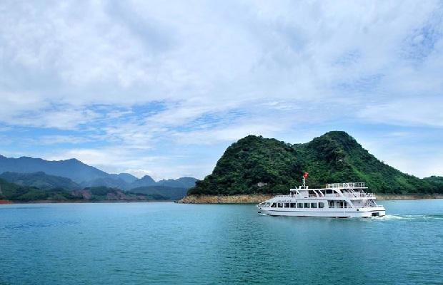 Tour Du xuân trẩy hội Hà Nội – Đền Thác Bờ – Thung Nai – Mai Châu 2N1Đ