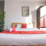 Khách sạn RedDoorz Plus near Hoang Van Thu Park 2 – Tân Bình