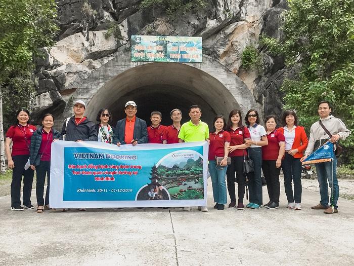 Tour khách đoàn Ninh Bình