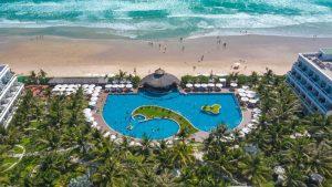 Resort The Sailing Bay Beach