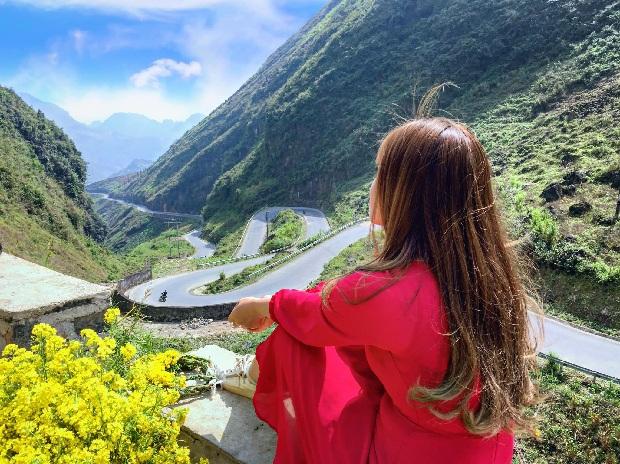 Trang phục rực rỡ cho chuyến du lịch Hà Giang
