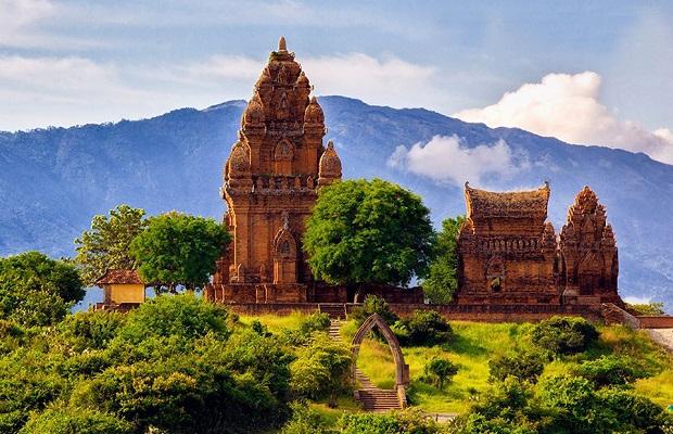 Tour Cổ Thạch Ninh Chữ Phan Thiết 4N3Đ: Đi qua nắng gió 2 tỉnh miền Trung
