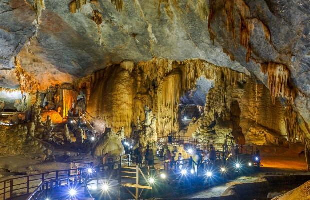 Tour Huế – Động Phong Nha/ Động Thiên Đường 2 Ngày 1 Đêm: Hành trình di sản