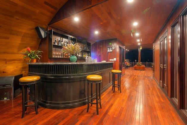 Du thuyền Sena Lan Ha Bay - Quầy bar