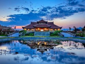[HOT] Combo 2N1Đ Emeralda Ninh Bình Resort 5 sao + Xe Limousine