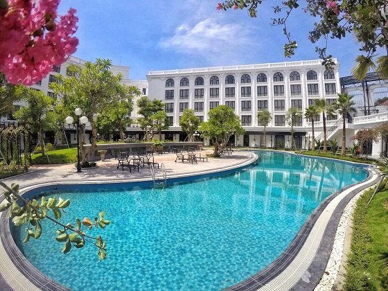 Silk Path Grand Huế Hotel & Spa - Hồ bơi