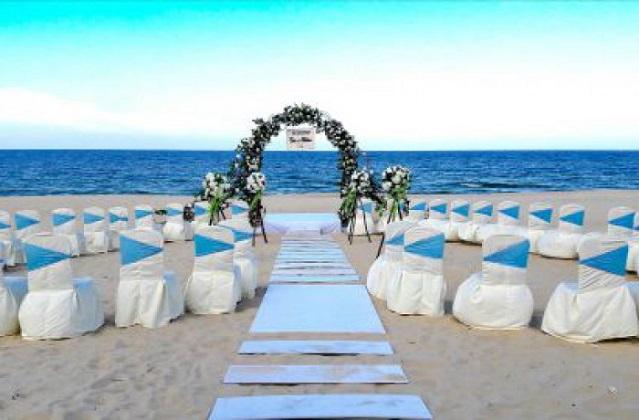 Combo Lapochine Beach Resort Huế