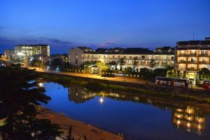 Combo Khách sạn Little Boutique Hội An 4 sao 2N1Đ + Vé máy bay