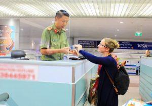 Công văn bảo lãnh cho người nước ngoài tạm trú là gì?