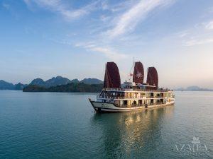 Du thuyền Azalea Hạ Long
