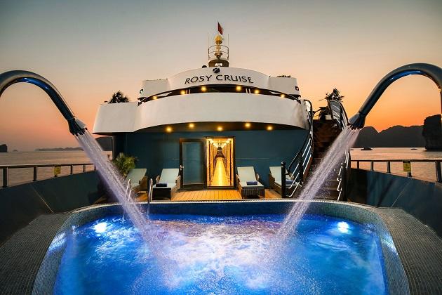 Du thuyền Vịnh Lan Hạ Rosy