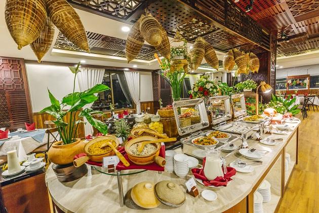 Combo Khách sạn Lotus Central