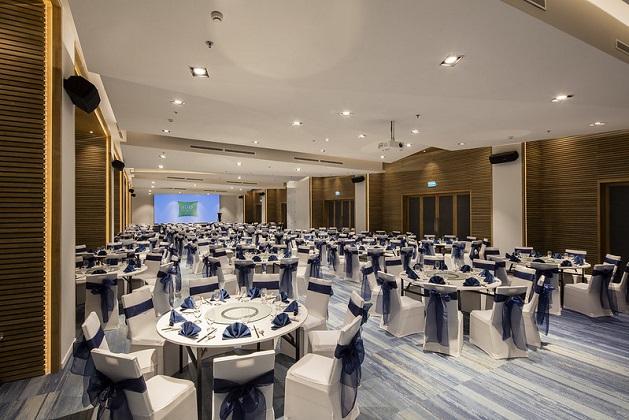 Combo Khách sạn Nha Trang iBis Styles