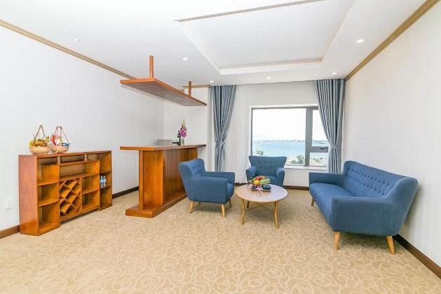 Khách sạn Navy Cam Ranh