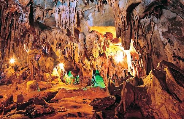 Tour Làng Vũ Đại – Khu du lịch tâm linh Tam Chúc – Ngũ Động Thi Sơn 2 ngày 1 đêm