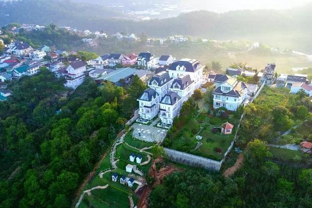 Khách sạn Decharme Village Đà Lạt