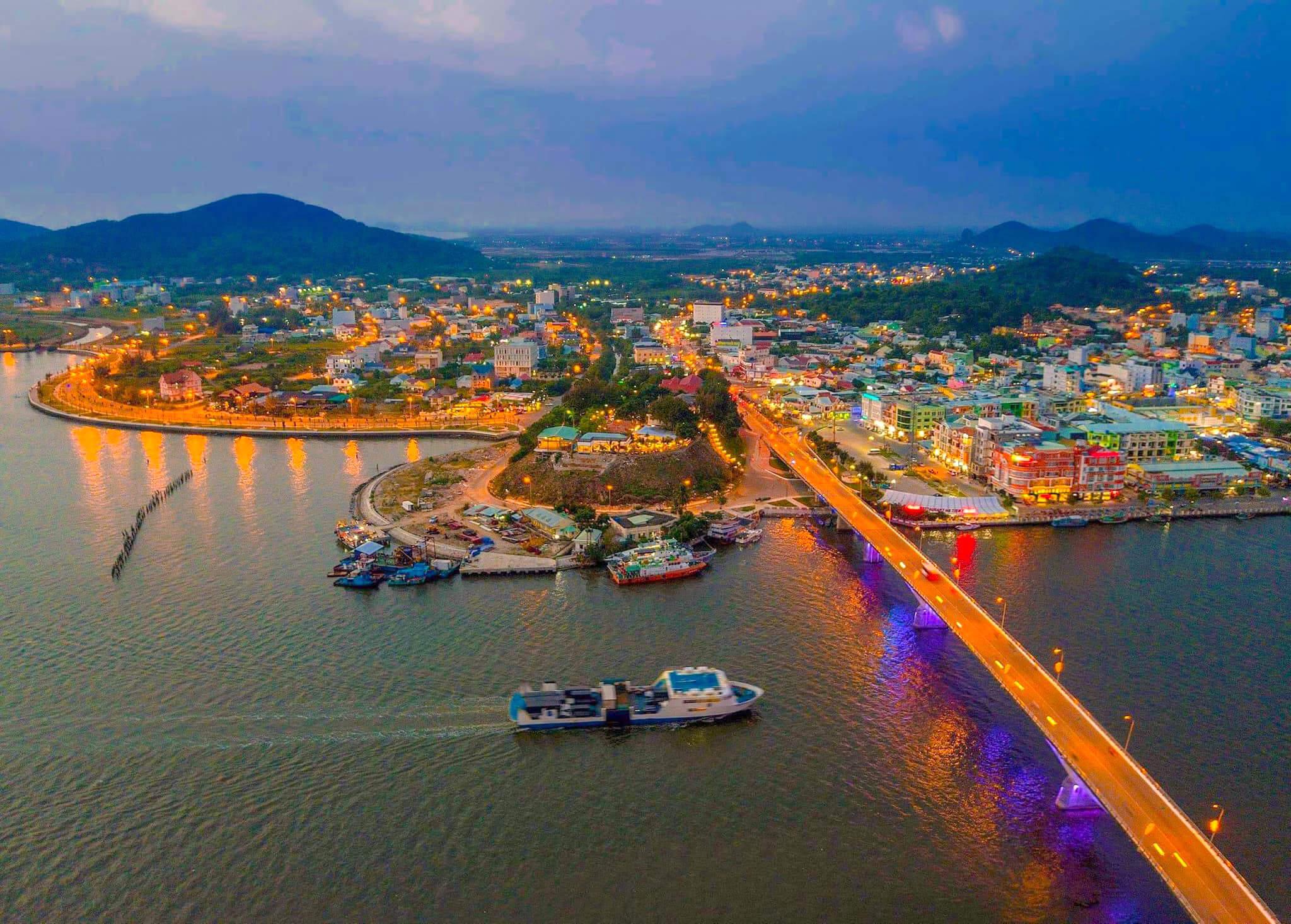 Khách sạn Hà Tiên - mùa nào cũng đẹp
