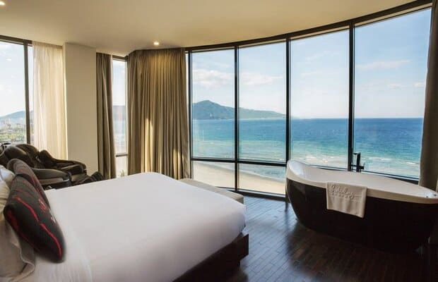 khách sạn Mỹ Khê gần biển Holiday Beach Đà Nẵng Hotel & Resort