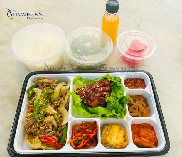 Bữa ăn tại khách sạn cách ly tại Kiên Giang